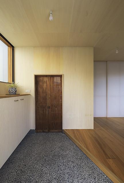 舞多聞の家の部屋 玄関