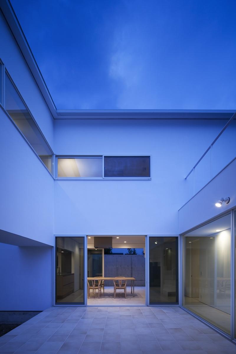 生駒の家の部屋 中庭