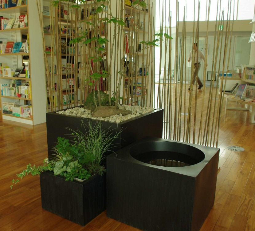 デザイナー:山越 健造「Transitory Garden」