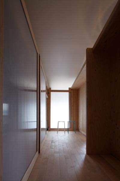 ノビルーム室内 (勾配天井の家 -いえづくりワークショップとDIY施工の参加型リノベ-)