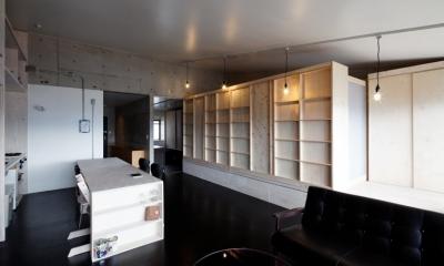 勾配天井の家 -いえづくりワークショップとDIY施工の参加型リノベ- (リビング ノビルーム(引出し状態))