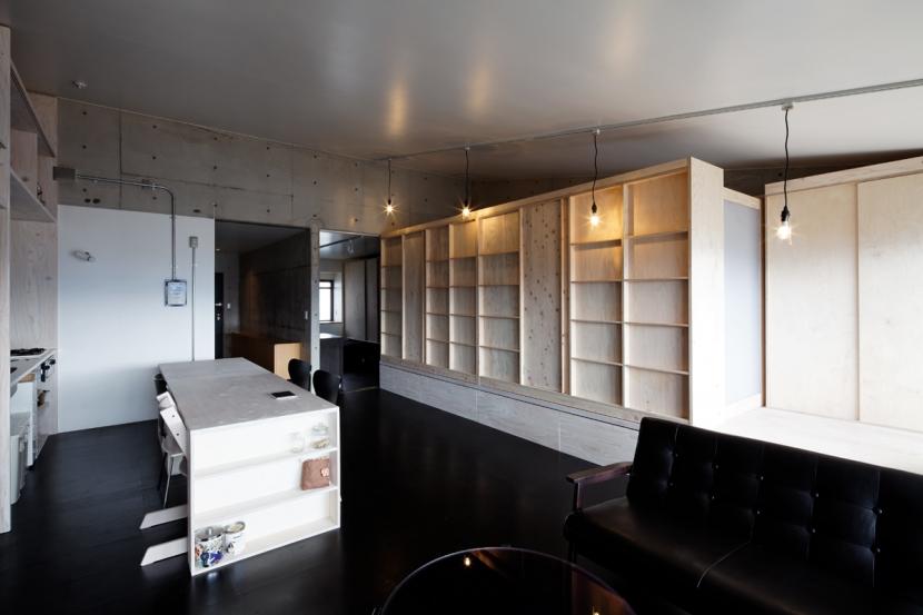 勾配天井の家の部屋 リビング ノビルーム(引出し状態)
