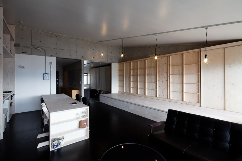 勾配天井の家の部屋 リビング ノビルーム(収納状態)