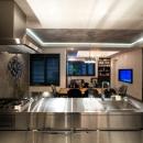 QUALIAの住宅事例「ヨーロピアンとオリエンタル、モダンが融合した、高級感あるラウンジのような空間」