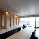 勾配天井の家 -いえづくりワークショップとDIY施工の参加型リノベ-の写真 リビング ノビルーム(個室一つ作成)