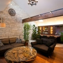 QUALIAの住宅事例「本格的なバーを備えた大人のプライベート空間」