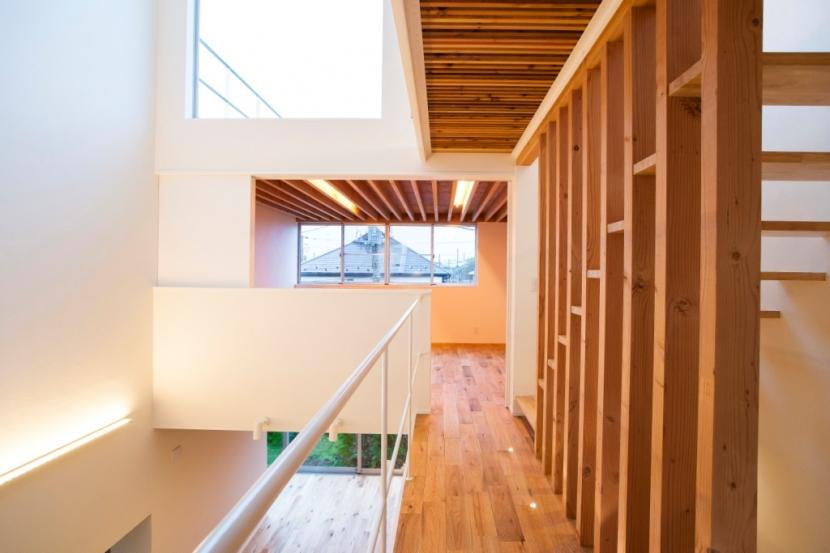 家族の夢が詰まったブリキの箱の部屋 廊下・階段