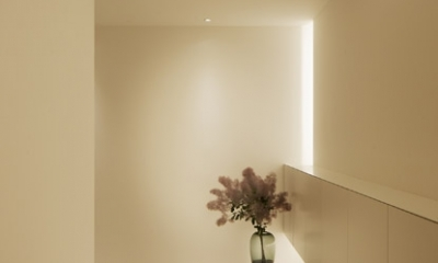 玄関|陰影がつくる美しい住まい