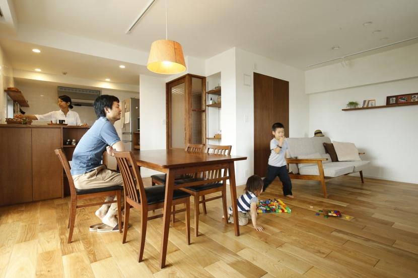 H邸・家族の笑顔にあふれる快適な住まいの写真 リビングダイニング