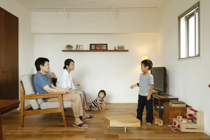 H邸・家族の笑顔にあふれる快適な住まい (リビング)