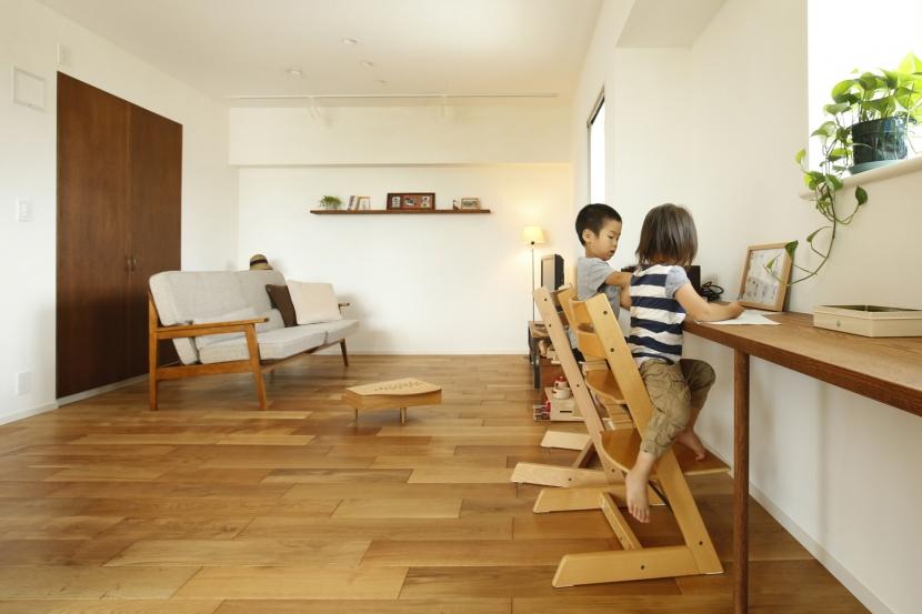 H邸・家族の笑顔にあふれる快適な住まいの部屋 カウンターデスク