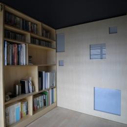可動本棚の家 (寝室)