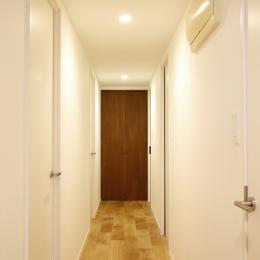 H邸・家族の笑顔にあふれる快適な住まいの写真 廊下