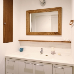 H邸・家族の笑顔にあふれる快適な住まいの写真 洗面所