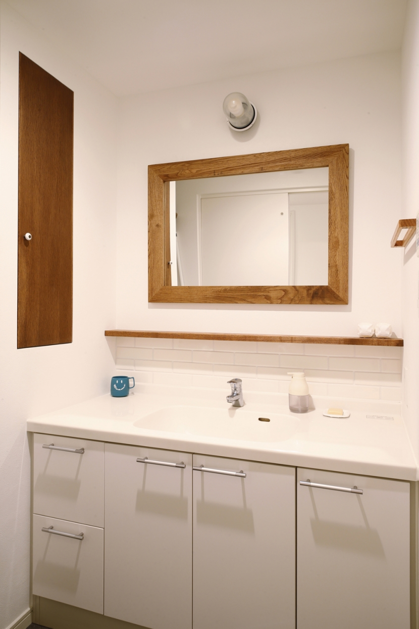 H邸・家族の笑顔にあふれる快適な住まいの部屋 洗面所