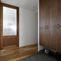 H邸・家族の笑顔にあふれる快適な住まいの写真 玄関