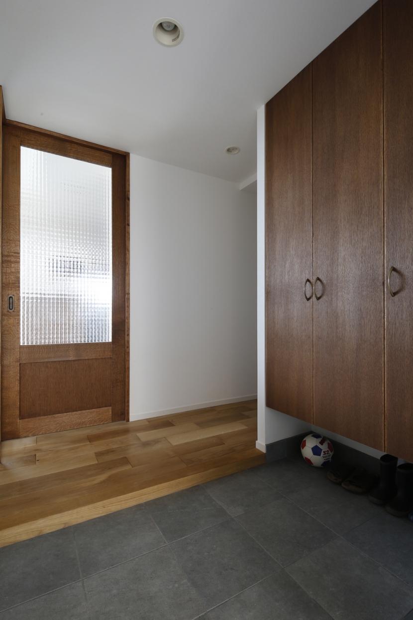 H邸・家族の笑顔にあふれる快適な住まいの部屋 玄関