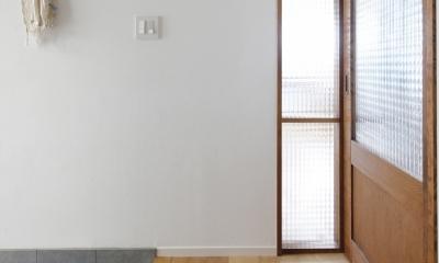 H邸・家族の笑顔にあふれる快適な住まい (玄関)