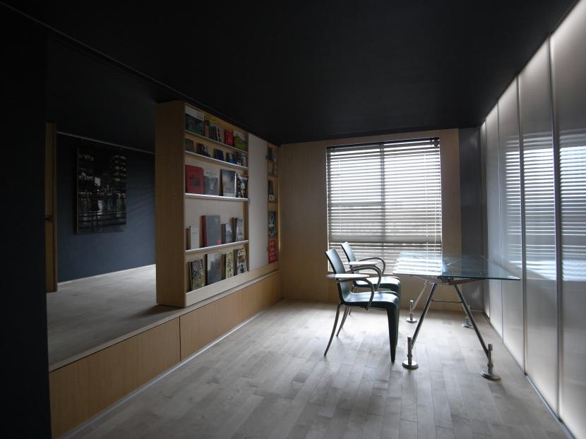 可動本棚の家の部屋 01緩やかなワンルーム状態