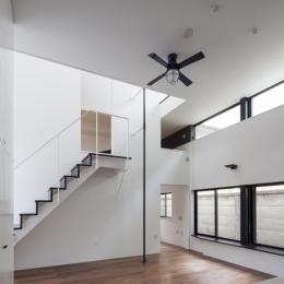 ハコノオウチ04 2.5世帯住宅 (階段横には登り棒)