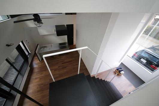 ハコノオウチ04 2.5世帯住宅の写真 階段吹抜見下ろし