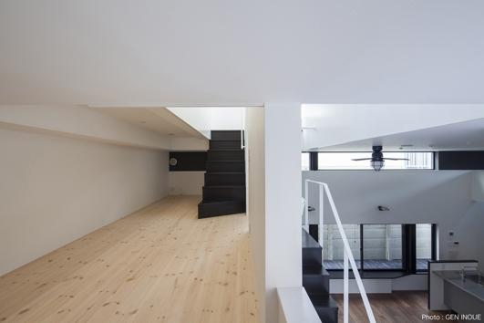ハコノオウチ04 2.5世帯住宅の写真 中間階納戸