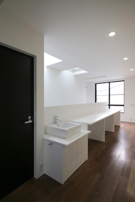 ハコノオウチ04 2.5世帯住宅の写真 歯磨きコーナー