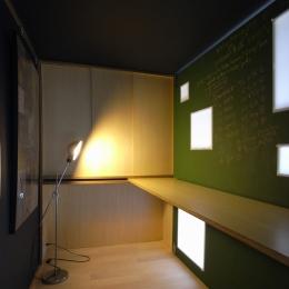 可動本棚の家 -可動家具・可動間仕切りで間取りの変わる家--書斎