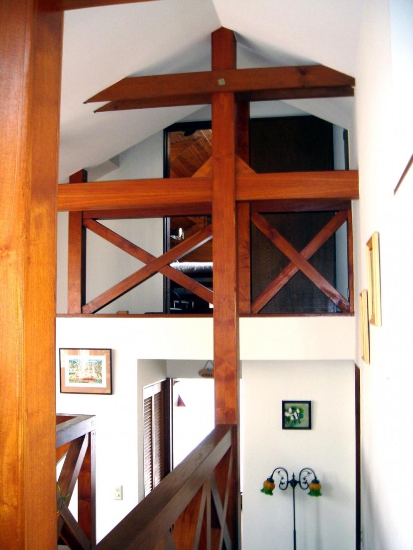 COPPER-HOUSE-1の部屋 2階から中階、ロフト方向