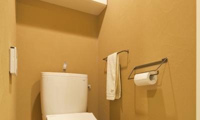 東京都新宿区I様邸 ~体で感じる自然素材の住まい~ (トイレ)