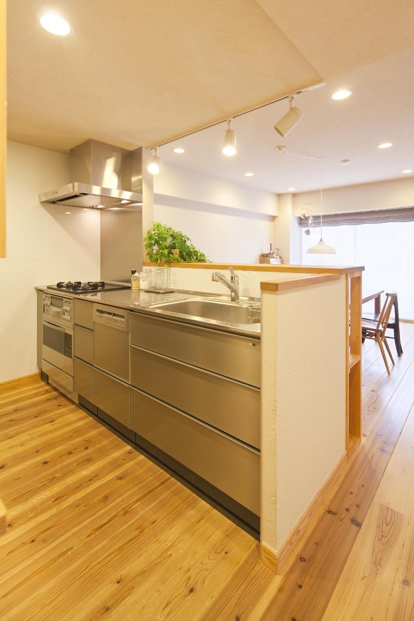 東京都新宿区I様邸 ~体で感じる自然素材の住まい~ (キッチン)
