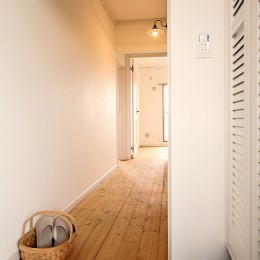 横浜市T様邸 ~築30年の団地リノベーション~ (玄関から廊下)