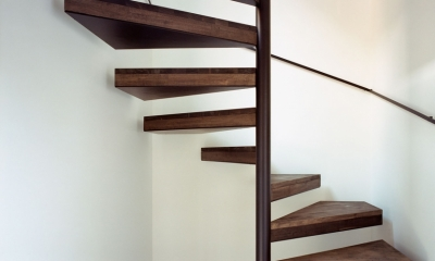 HouseK (階段)