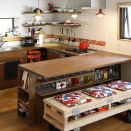 手作りベンチ (Y邸・できることは自分たちで。コラボで作り上げた快適な住まい)