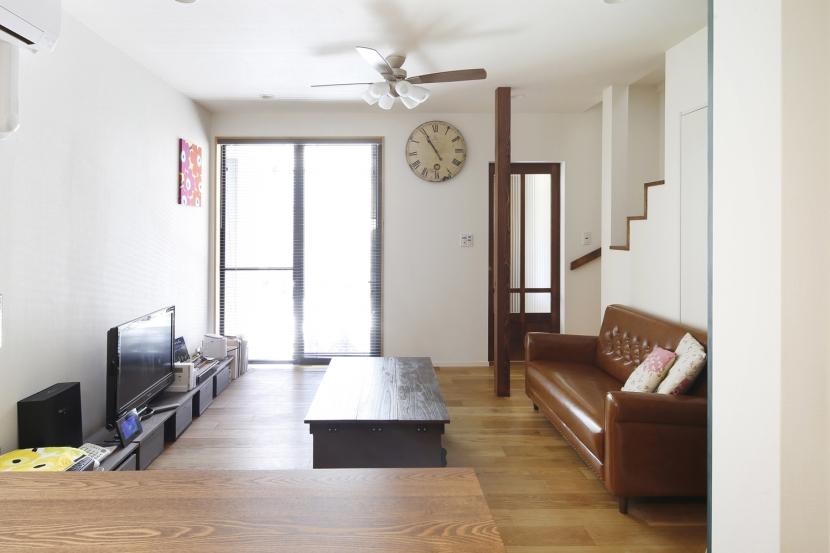 Y邸・できることは自分たちで。コラボで作り上げた快適な住まいの部屋 リビング