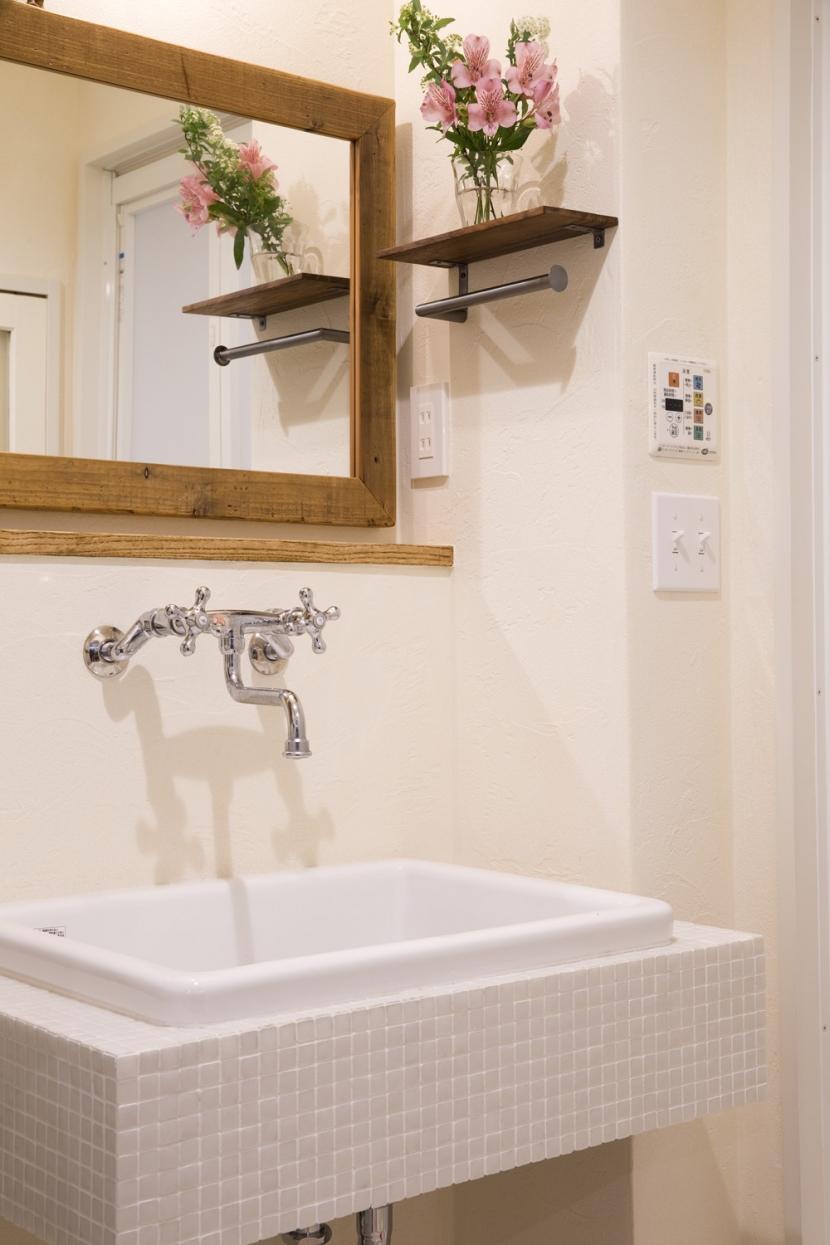 I邸・築34年マンションの劇的リノベーション!の部屋 洗面台