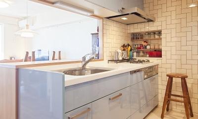 横浜市W様邸 ~ナチュラルリノベーションでヴィンテージ家具を楽しむ住まい~ (タイルが魅せる、お気に入りのキッチン)