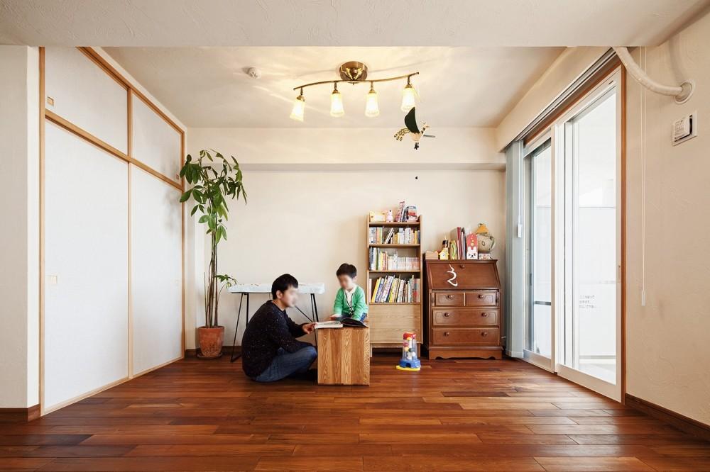 横浜市W様邸 ~ナチュラルリノベーションでヴィンテージ家具を楽しむ住まい~ (家族の笑顔が溢れるリビング)