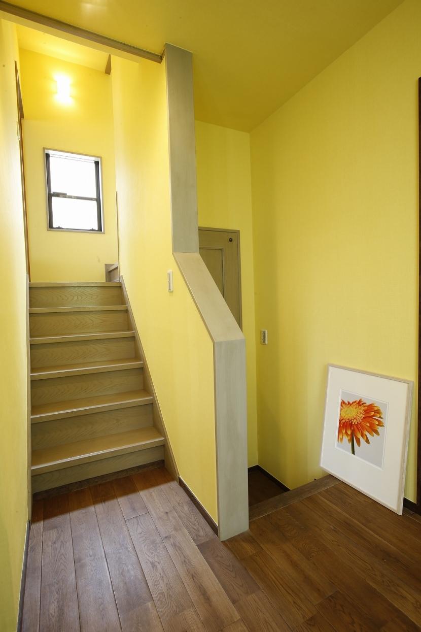 リノベーション・リフォーム会社:スタイル工房「T邸・室内も窓からの緑も・・・色彩溢れる毎日を暮らす」