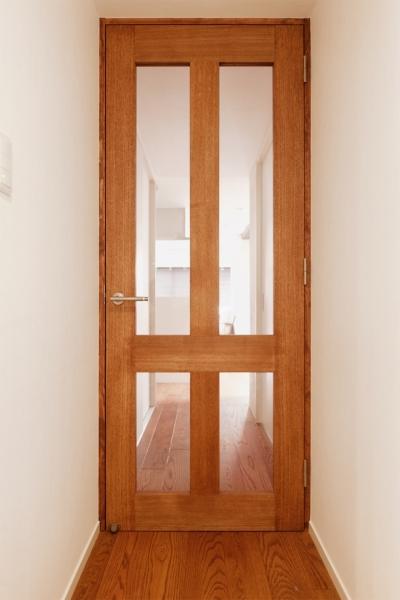 廊下扉 (Ya邸・シックでのびやかな住空間で暮らす)