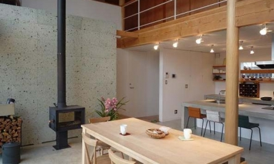 土間リビング・キッチン|群馬県邑楽町・土間リビングの家|A house