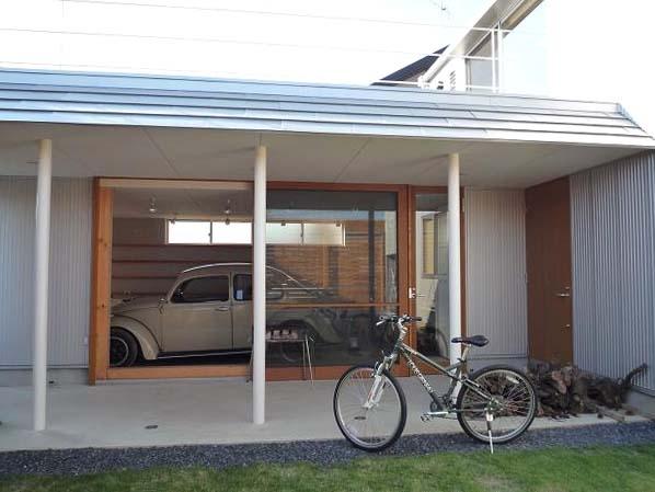群馬県館林市・ガレージとソト土間のある家|Beetle Houseの部屋 ガレージ・ソト土間・中庭