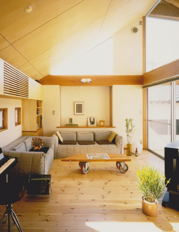 千葉県成田市・多目的な土間空間のある家|NAK HOUSEの部屋 2階リビング