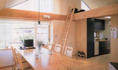 多目的な土間空間のある家 NAK HOUSE (ダイニングスペース)