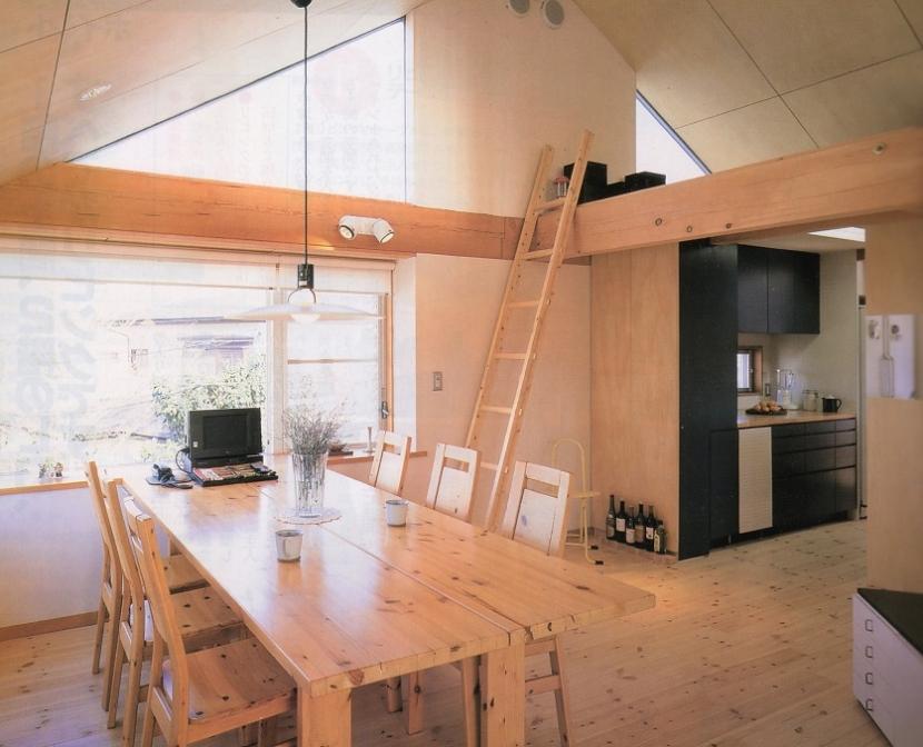 千葉県成田市・多目的な土間空間のある家|NAK HOUSEの部屋 ダイニングスペース