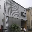 埼玉県入間市・大きなもみじのある家|波乗り亭の写真 ソトに対しては閉じた外観