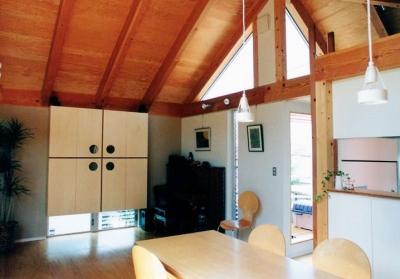 2階リビングとキッチン (埼玉県羽生市・30坪の敷地に建つ6人家族の家|かなちゃんち)