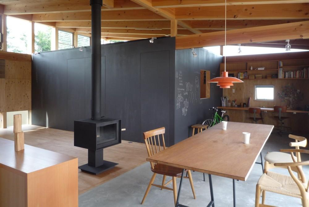 小磯一雄|KAZ建築研究室「大地に根付く家|mat house」
