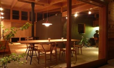 ダイニングの風景|群馬県太田市・芝屋根住宅-1|mat house