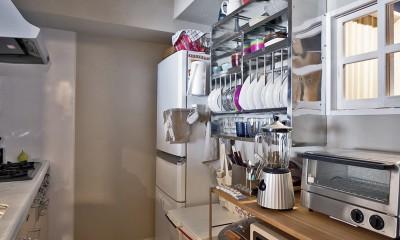 横浜市B様邸 ~自然素材とお気に入りの色に囲まれた住まい~ (シンプル設計で、使いやすいキッチンに。)